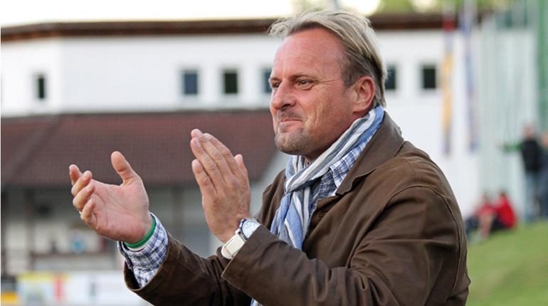 In seinen Adern fließt blau-gelbes Blut: Donau-Manager Kurt Baumgartner