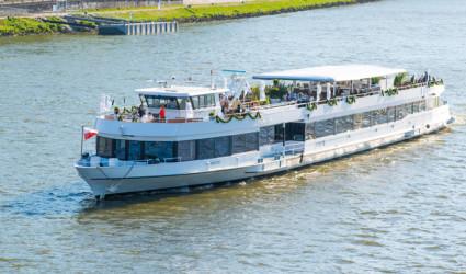 Saisonauftakt auf der Linzer Donau: Ahoi!