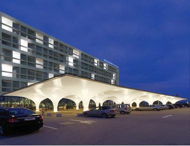 Für 2016 versprochen, bis heute Fiktion: ein 140-Betten-Hotel am blue danube airport Linz.