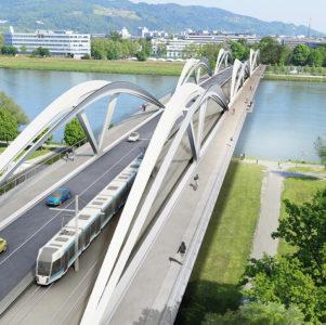 Großzügig: die Rad- und Gehwege auf der neuen Eisenbahnbrücke