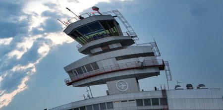 Im Vergleich mit Graz in Schräglage: der Flughafen Linz