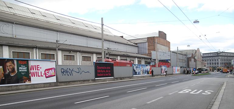 An der Unionstraße: Die abweisende Rückseite der ÖBB-Werkstätten werden bis 2028 verschwinden