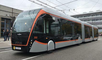 Rollen statt Straßenbahnen bald XL-Elektrobusse über die neue Donaubrücke?