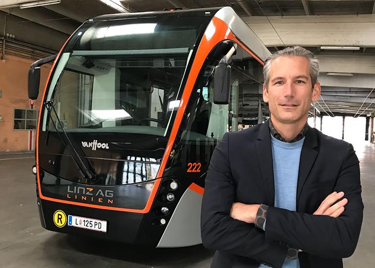 """Stadtplaner Lorenz Potocnik: """"Mit den neuen Obussen könnte die Linie über die Donau bereits 2020 eröffnet werden"""""""