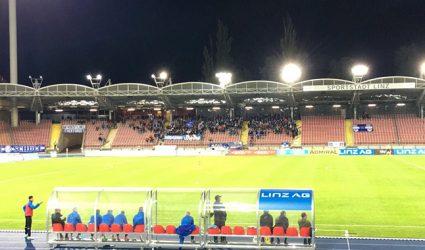 Zwischenbilanz im Linzer Fußball: blau-weiße Hölle, schwarz-weißer Himmel
