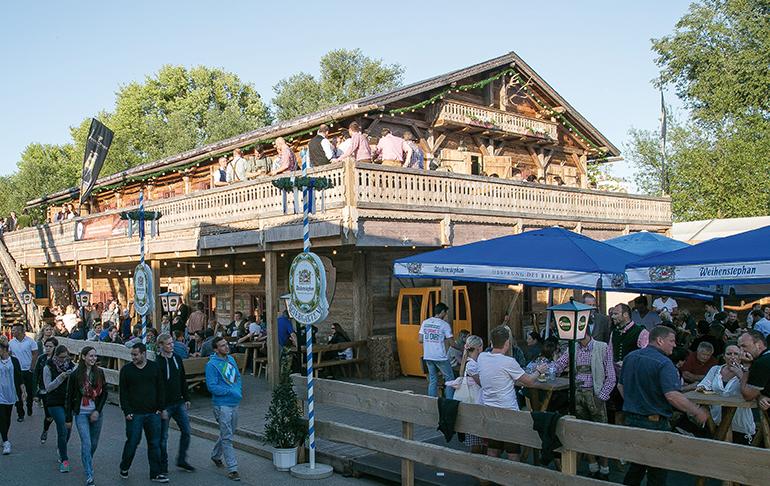 Kitzbühel trifft München trifft Linz: die Donaualm am Urfahraner Jahrmarkt