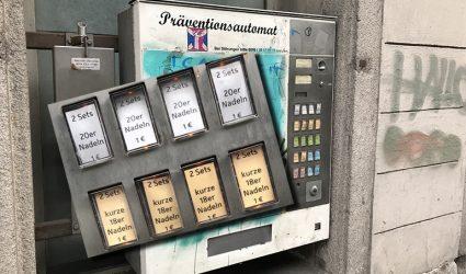 Maden, Eier, Tampons und Spritzen – was man sich in Linz so alles am Automaten ziehen kann