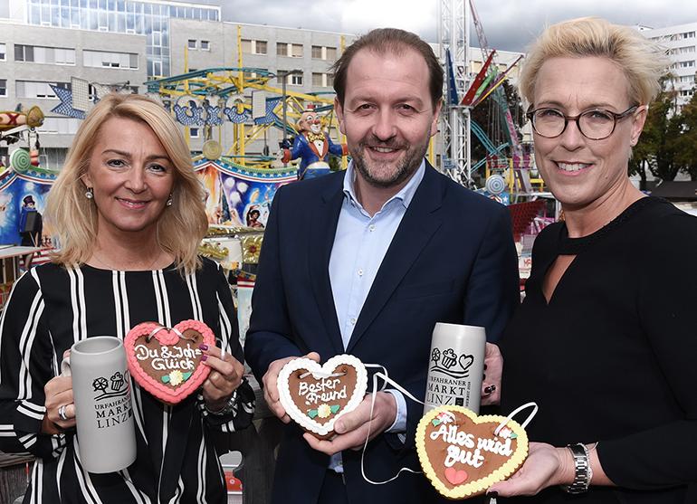 Die Macher des Herbst-Urfix, der am 29. September startet (v.l.): Manuela Damm (Abteilung Wirtschaft ), Vzbgm. Bernhard Baier und Anke Merkl (Leiterin Abteilung Wirtschaft).