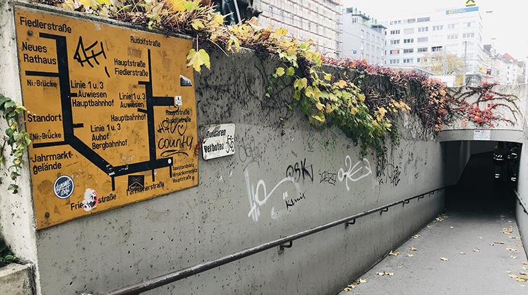 Abgang zur Unterführung Rudolfstraße in Urfahr