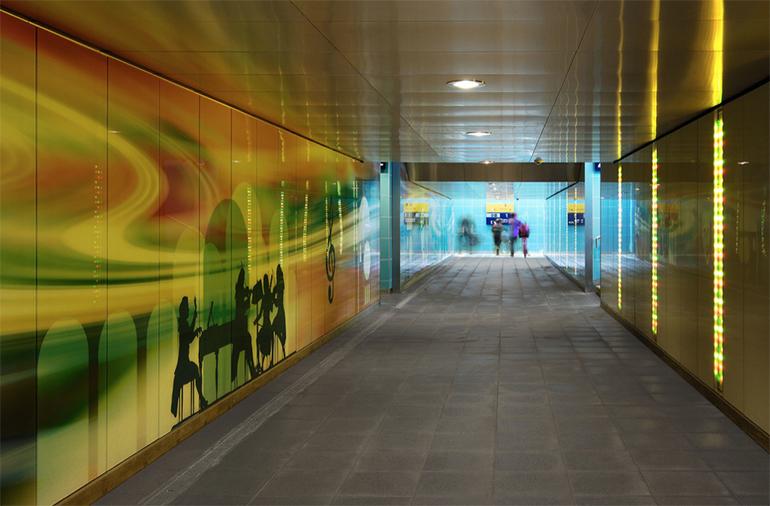 Konzeptionell gestaltete Fußgängerunterführung im deutschen Bad Hersfeld. (Foto: Dietz - Joppien Architekten)