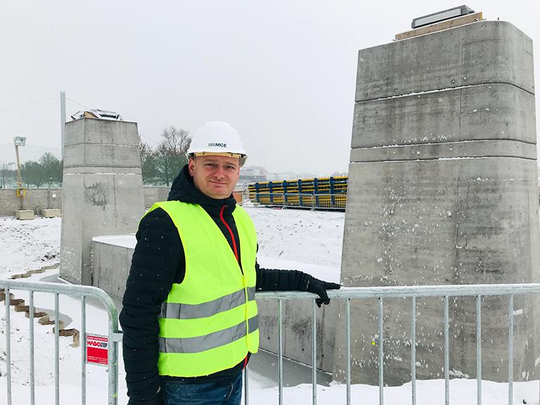 Markus Hein bei der Baustelle der Neuen Donaubrücke