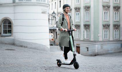 Let's Roll: Electroscooter-Verleih startet in Linz!