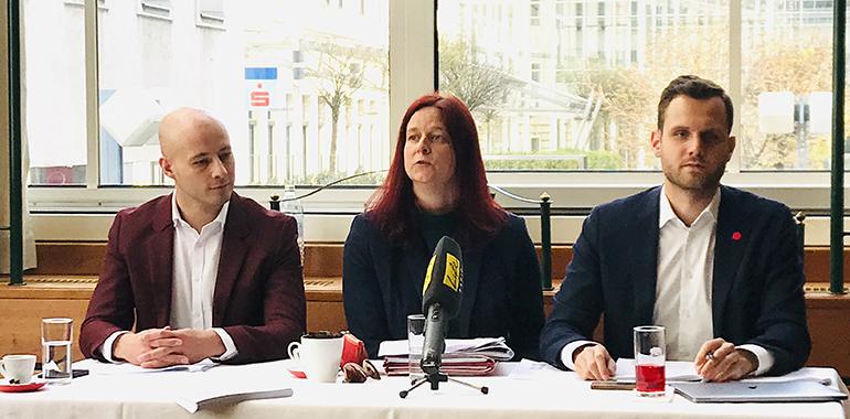 """Die """"Aufklärerallianz"""" (v.l.): Klubobmann Martin Hajart (ÖVP), Gemeinderätin Ursula Roschger (Grüne) und Felix Eypeltauer (NEOS)."""