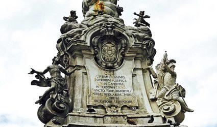 Dreifaltigkeitssäule am Linzer Hauptplatz verschwindet bis November hinter Baugerüst