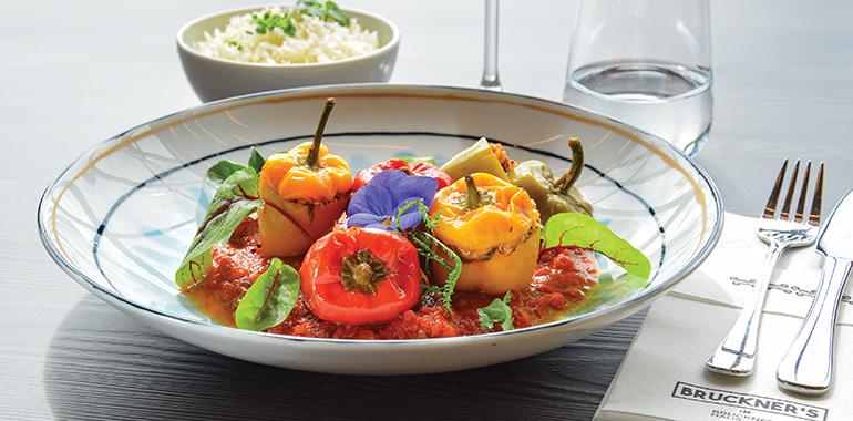Können sich sehen – und schmecken lassen: Bruckner's gefüllte Paprika.