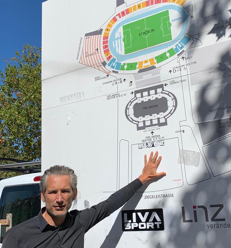 """Lorenz Potocnik: """"Es gibt hier bereits 700 Parkplätze, die durch 50 Bäume und mit viel Grün perfekt eingebettet sind."""""""