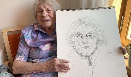 """100-jährige Linzerinnen werden zu """"Bildern für die Ewigkeit"""""""
